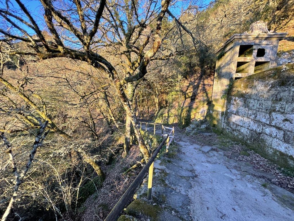 concello-de-esgos-mosteiro-de-san-pedro-de-rocas-14
