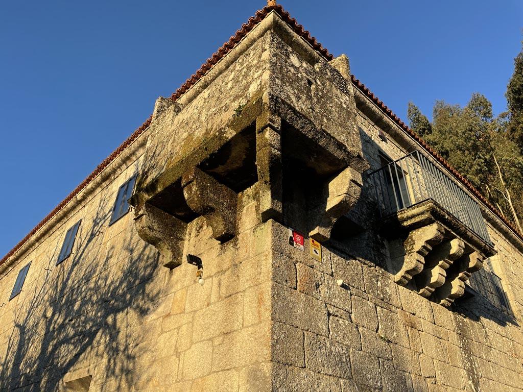 concello-de-esgos-mosteiro-de-san-pedro-de-rocas-2